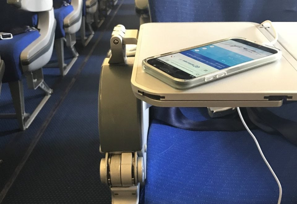 Air Europa Installs USB In-Seat Power